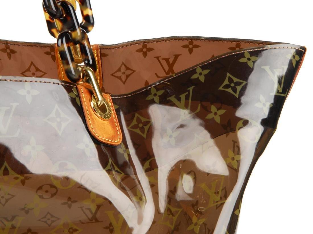LOUIS VUITTON - a Sac Ambre Monogram Vinyl GM handbag. - 2