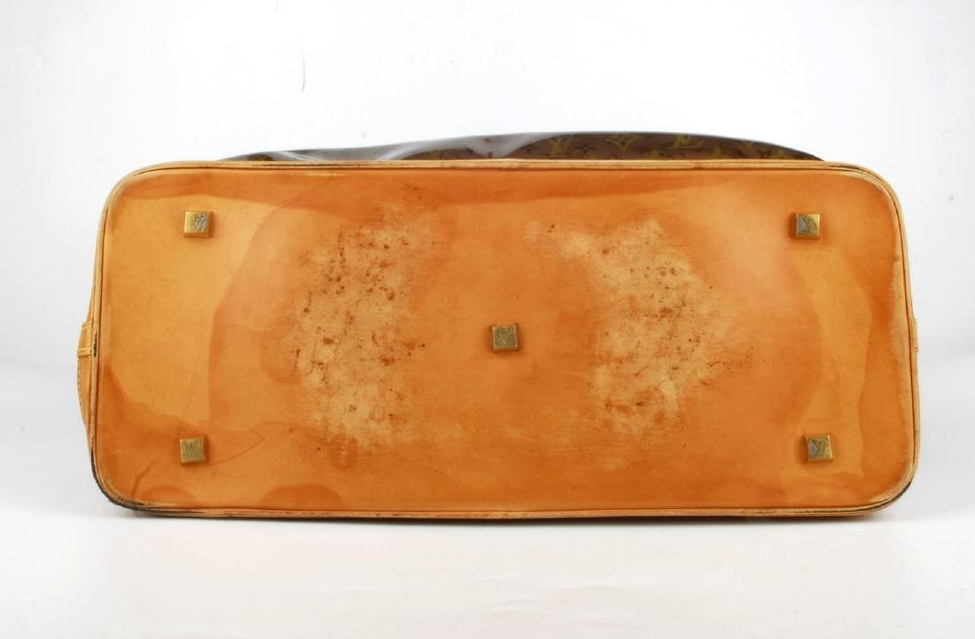 LOUIS VUITTON - a Sac Ambre Monogram Vinyl GM handbag. - 5