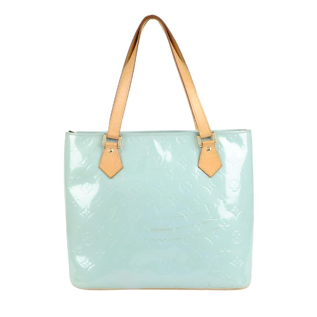LOUIS VUITTON - a blue Vernis Houston handbag.