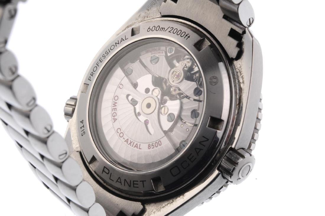 OMEGA - a gentleman's Seamaster Professional Planet - 3