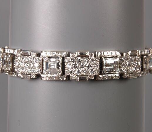 191: All diamond bracelet with nine principal step cut