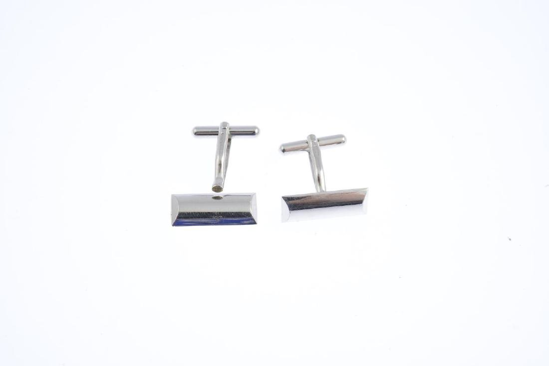 A pair of 9ct gold cufflinks and a ring. The cufflinks - 2