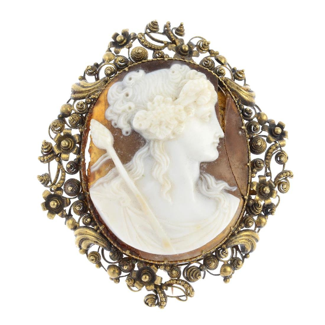 An early Victorian gold shell cameo brooch. Of oval
