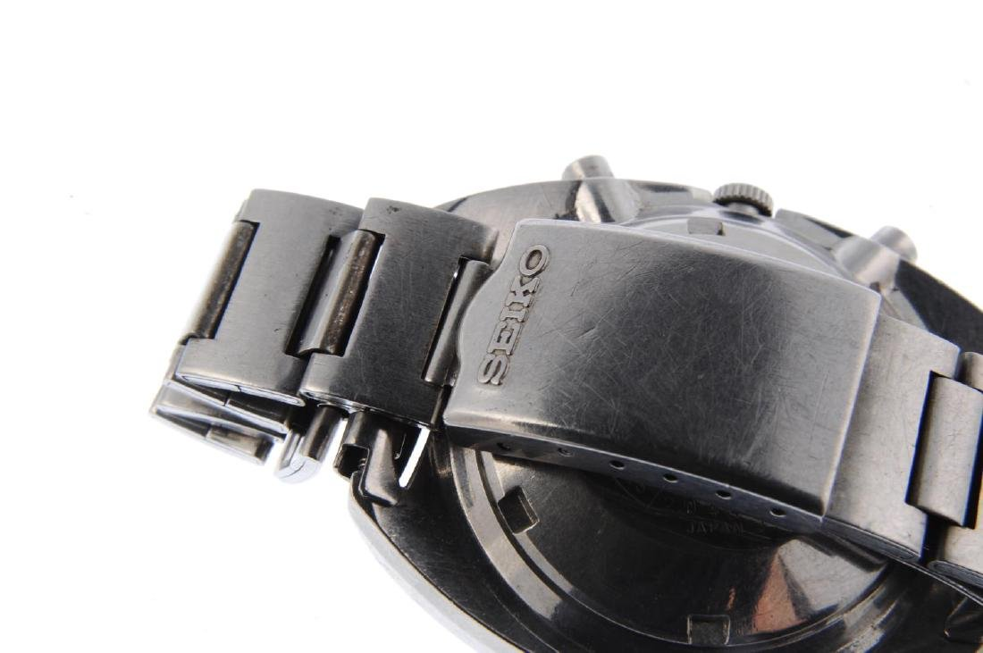 SEIKO - a gentleman's chronograph bracelet watch. - 2