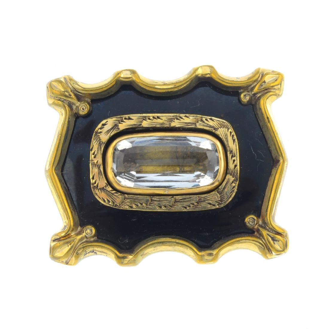 Four Victorian items of jewellery. To include a mid