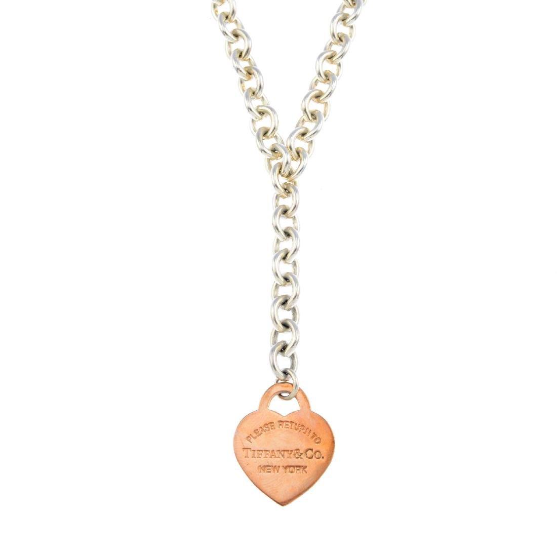 TIFFANY & CO. - a silver necklace. Of bi-colour design,