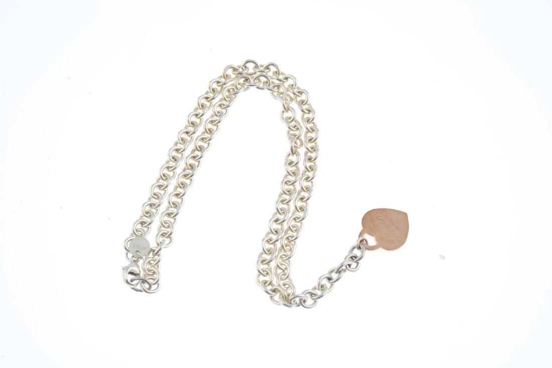 TIFFANY & CO. - a silver necklace. Of bi-colour design, - 3