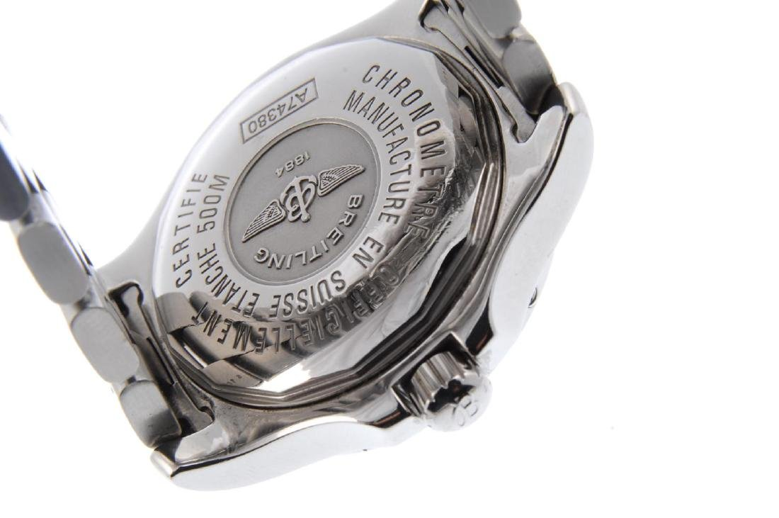 BREITLING - a gentleman's Colt bracelet watch. - 3