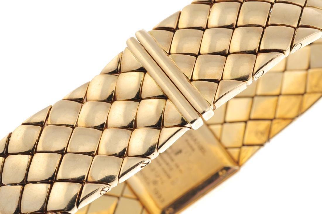 CHANEL - a lady's Matelassé bracelet watch. 18ct yellow - 2