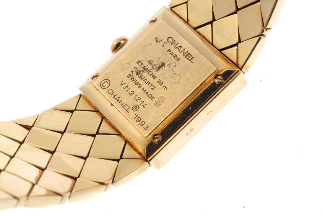 CHANEL - a lady's Matelassé bracelet watch. 18ct yellow - 3