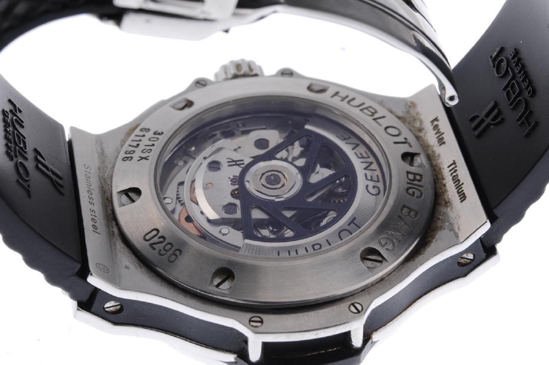 HUBLOT - a gentleman's Big Bang chronograph wrist - 2
