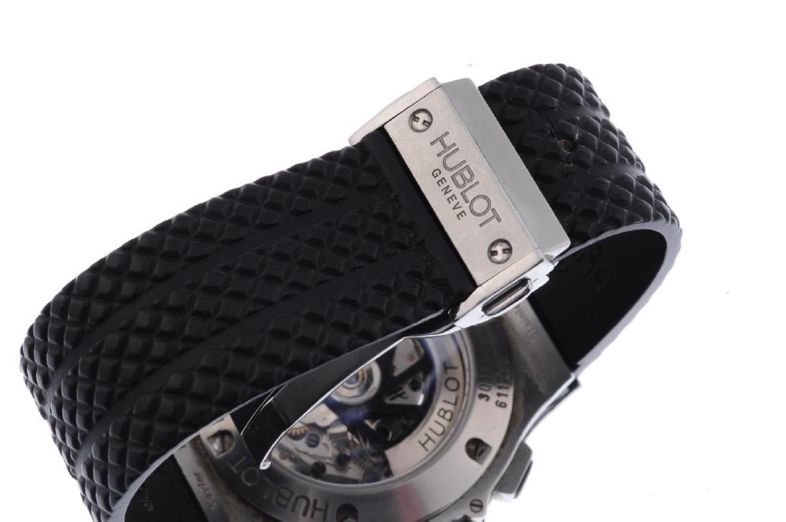 HUBLOT - a gentleman's Big Bang chronograph wrist - 4