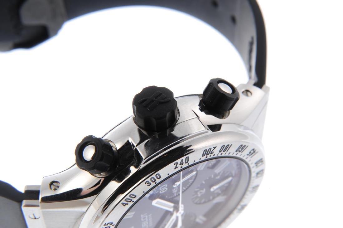 HUBLOT - a gentleman's Super B chronograph wrist watch. - 4