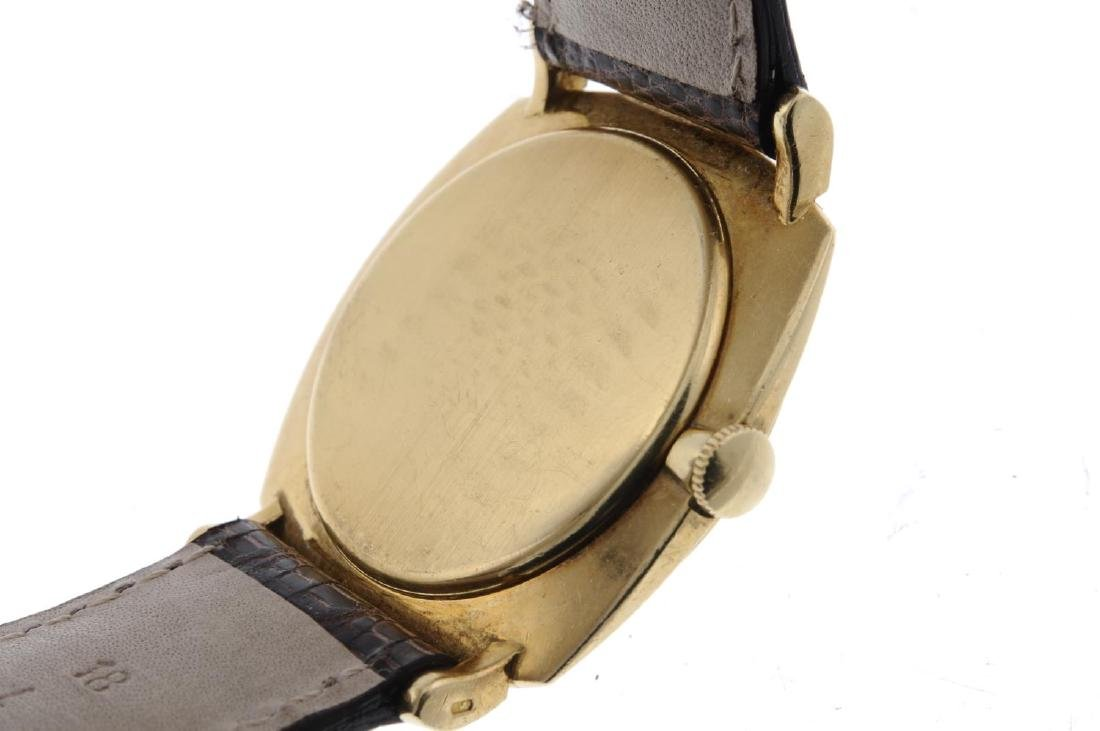 IWC - a gentleman's wrist watch. Yellow metal case, - 3