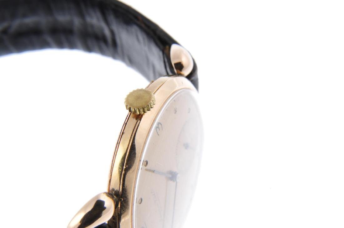 IWC - a gentleman's wrist watch. Rose metal case. - 4