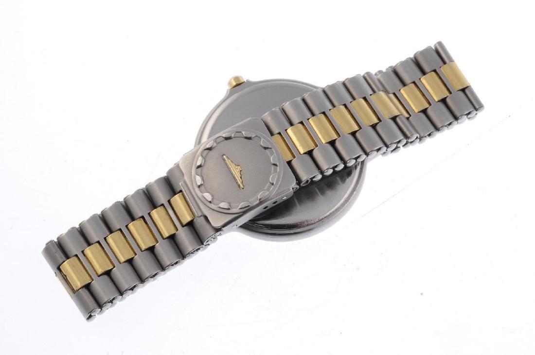 LONGINES - a gentleman's Conquest triple-date bracelet - 2