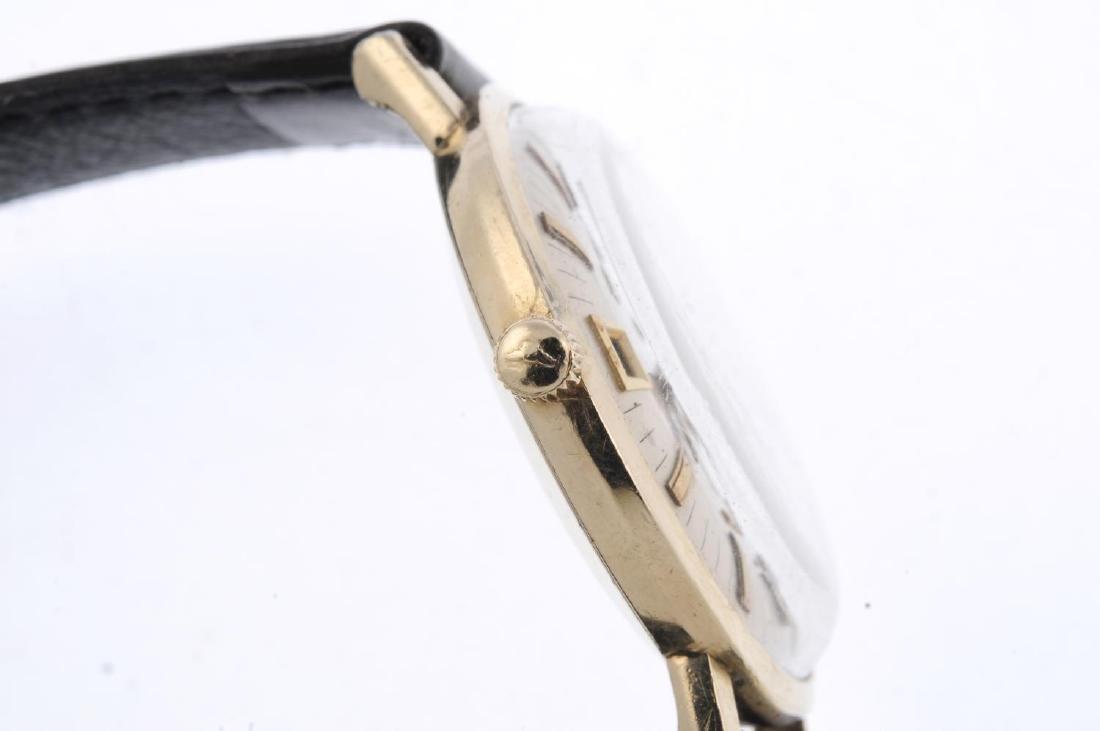 LONGINES - a gentleman's Ultra-Chron wrist watch. Gold - 4