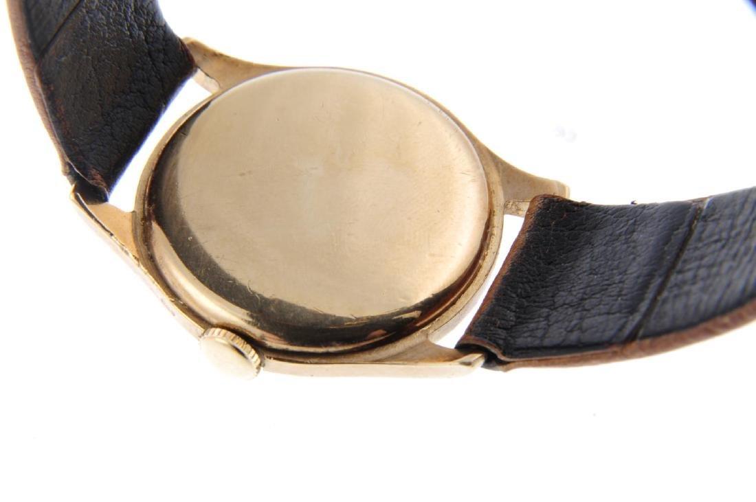 LONGINES - a gentleman's wrist watch. 9ct yellow gold - 3