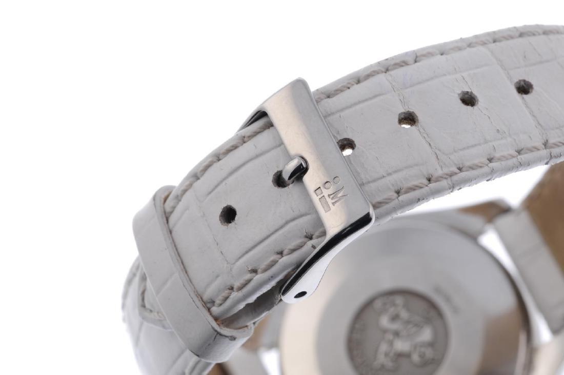 OMEGA - a lady's Speedmaster chronograph wrist watch. - 2