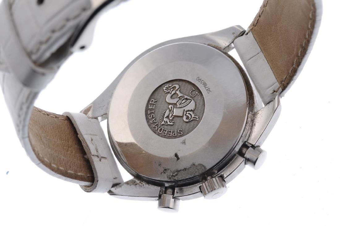 OMEGA - a lady's Speedmaster chronograph wrist watch. - 3