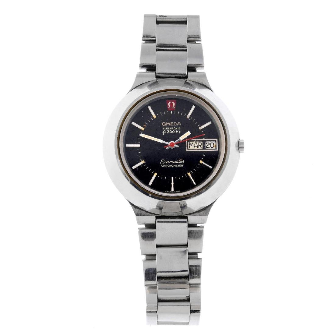 OMEGA - a gentleman's Seamaster F300Hz bracelet watch.