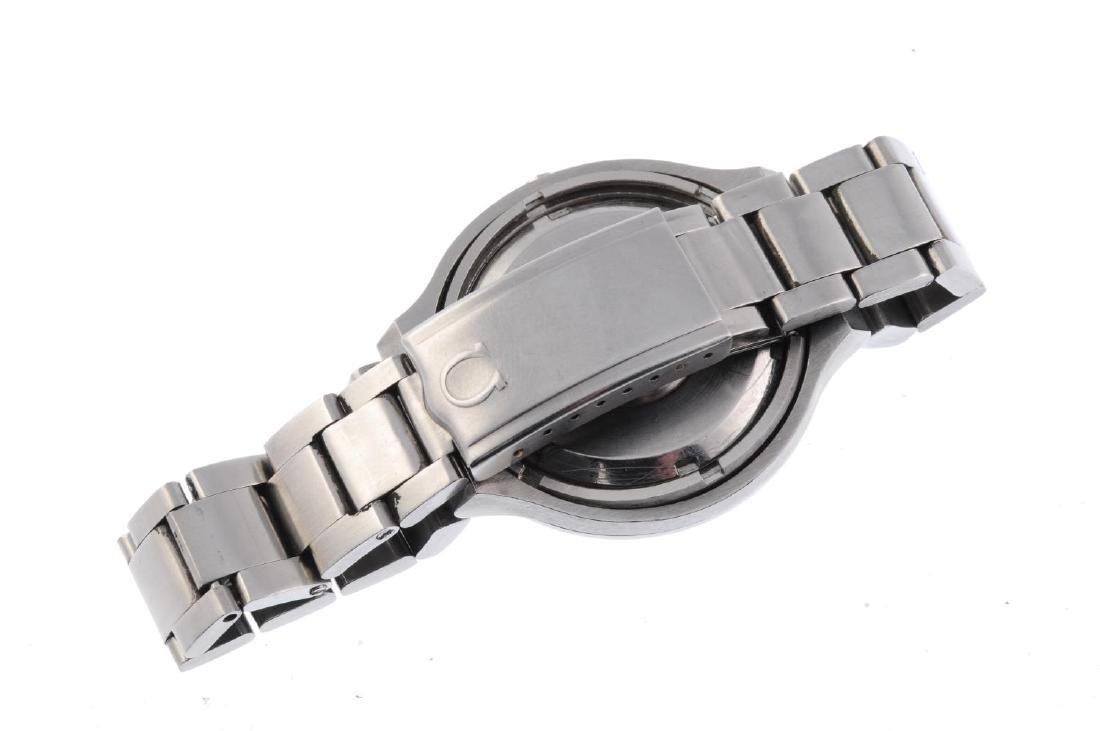 OMEGA - a gentleman's Seamaster F300Hz bracelet watch. - 2