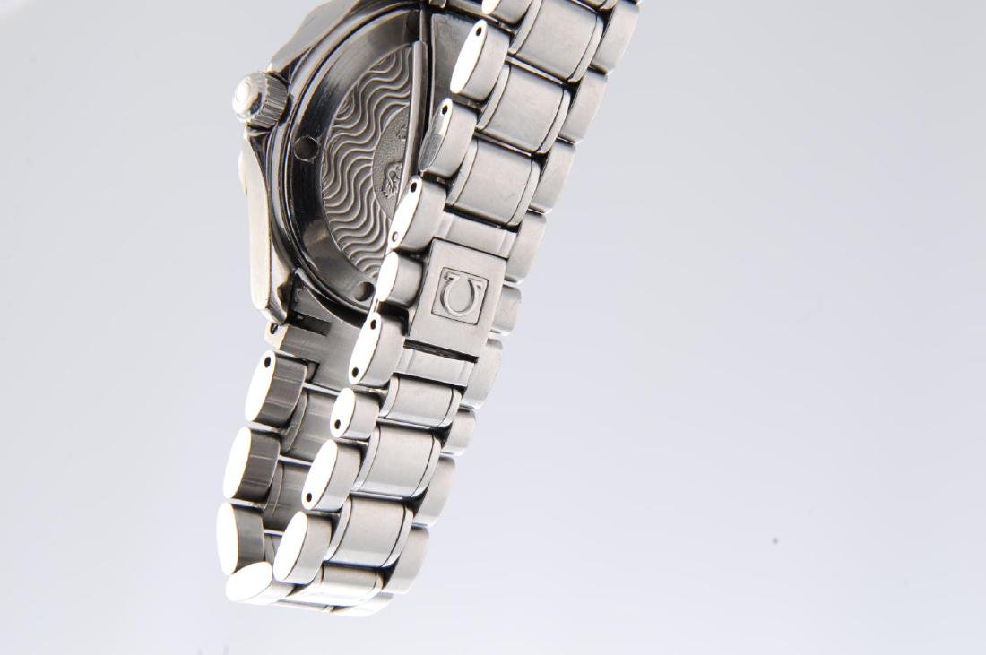 OMEGA - a mid-size Seamaster 300M bracelet watch. - 4