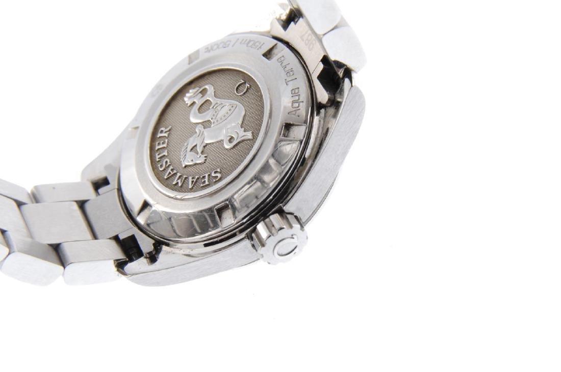 OMEGA - a lady's Seamaster Aqua Terra bracelet watch. - 3
