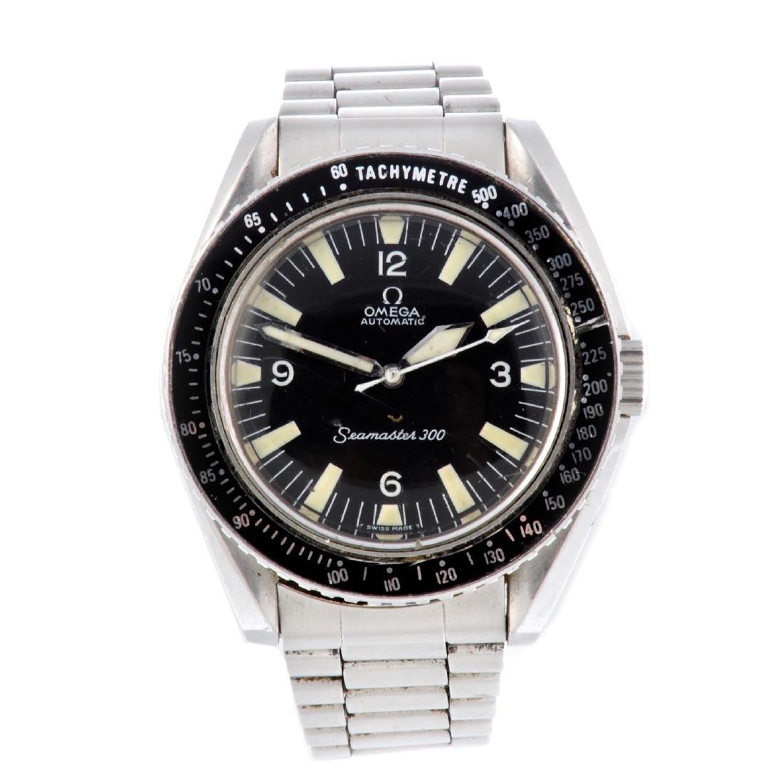 OMEGA - a gentleman's Seamaster 300 bracelet watch.