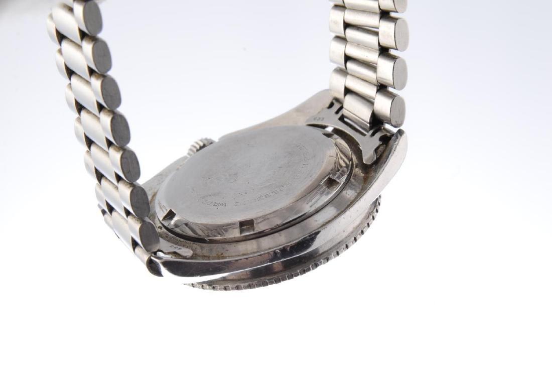 OMEGA - a gentleman's Seamaster 300 bracelet watch. - 3