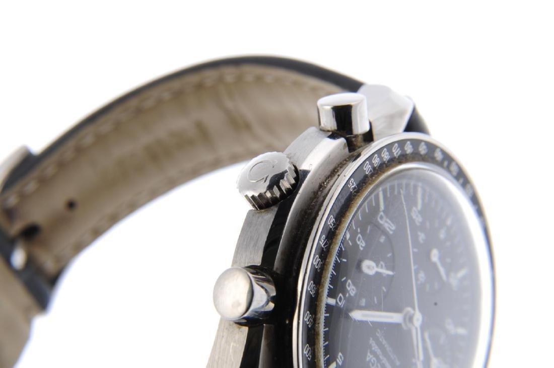 OMEGA - a gentleman's Speedmaster chronograph wrist - 4
