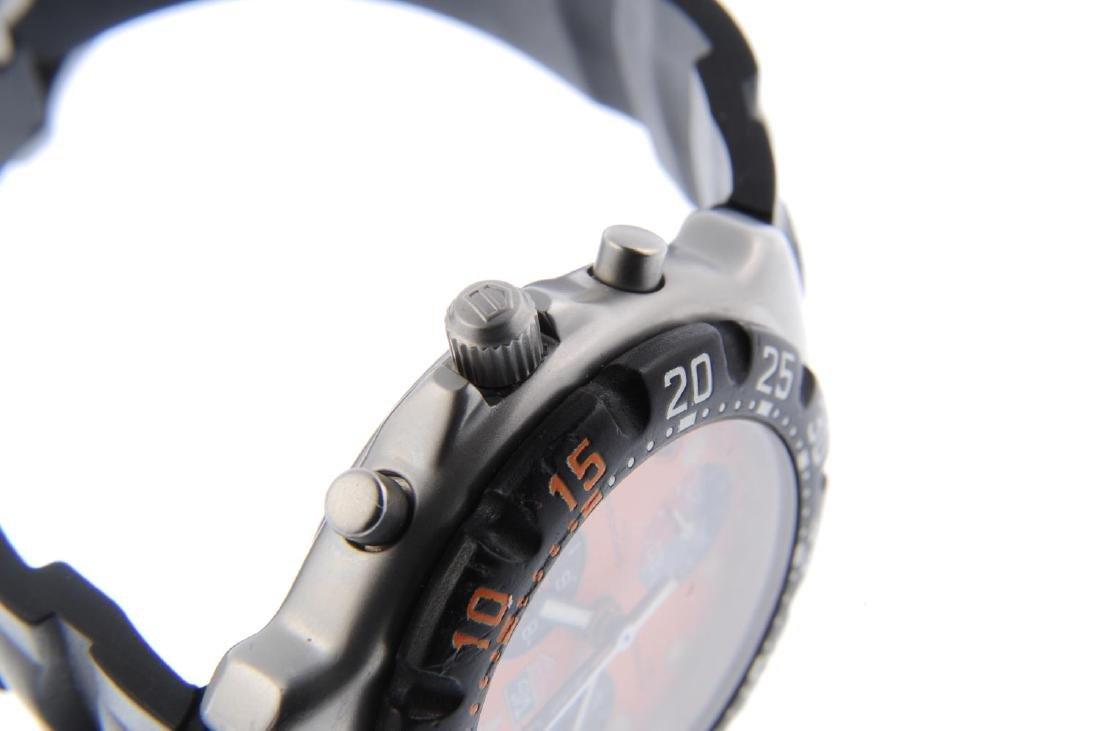 TAG HEUER - a gentleman's Formula 1 chronograph wrist - 4