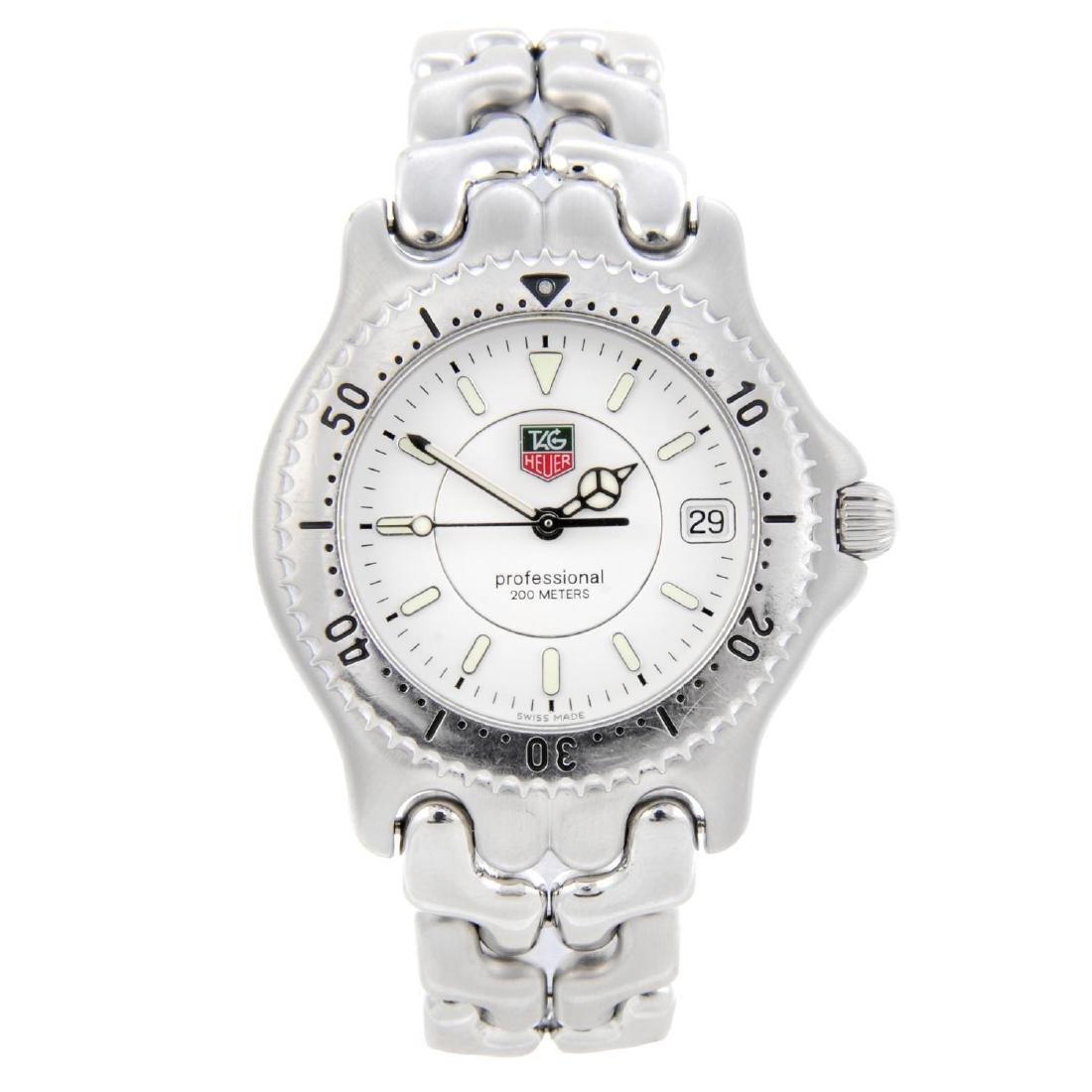 TAG HEUER - a gentleman's S/el bracelet watch.
