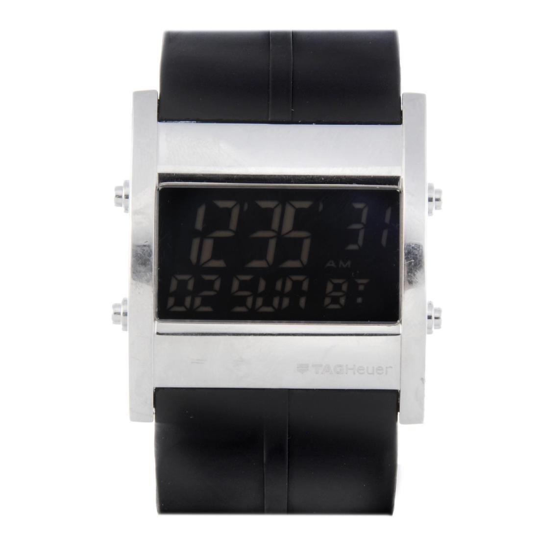 TAG HEUER - a gentleman's MicroTimer wrist watch.