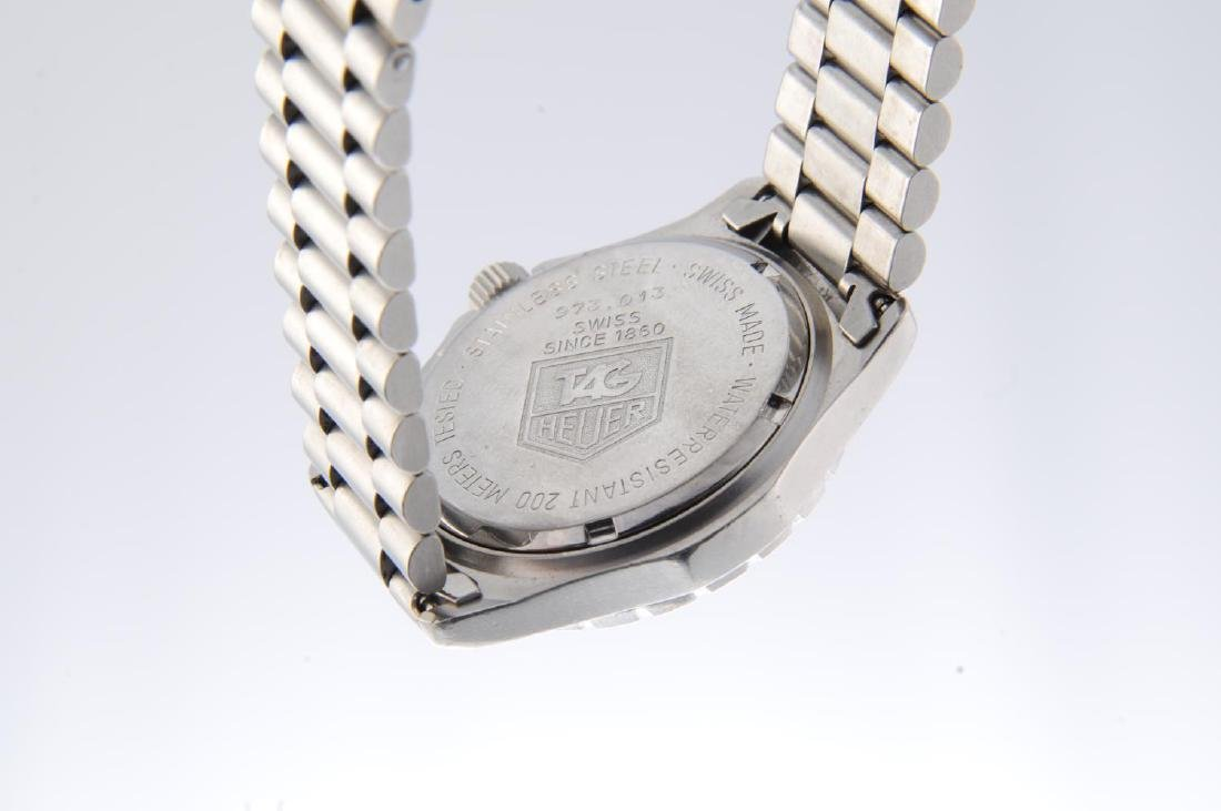 TAG HEUER - a mid-size 2000 Series bracelet watch. - 3