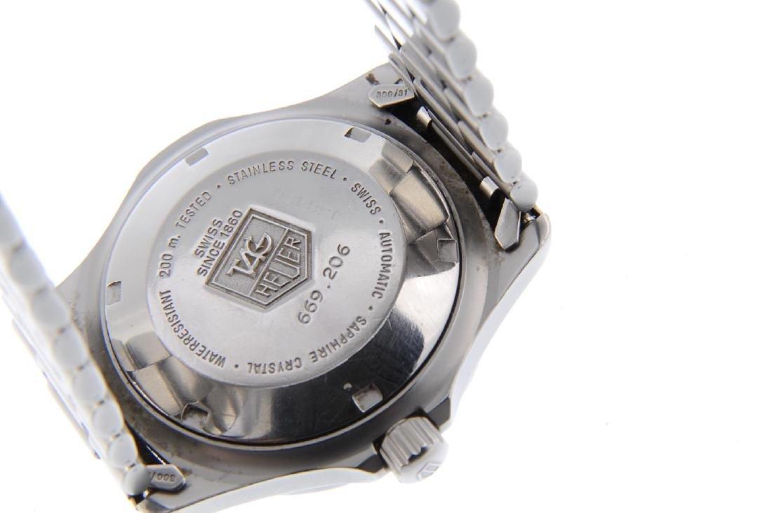 TAG HEUER - a gentleman's 2000 Series bracelet watch. - 3