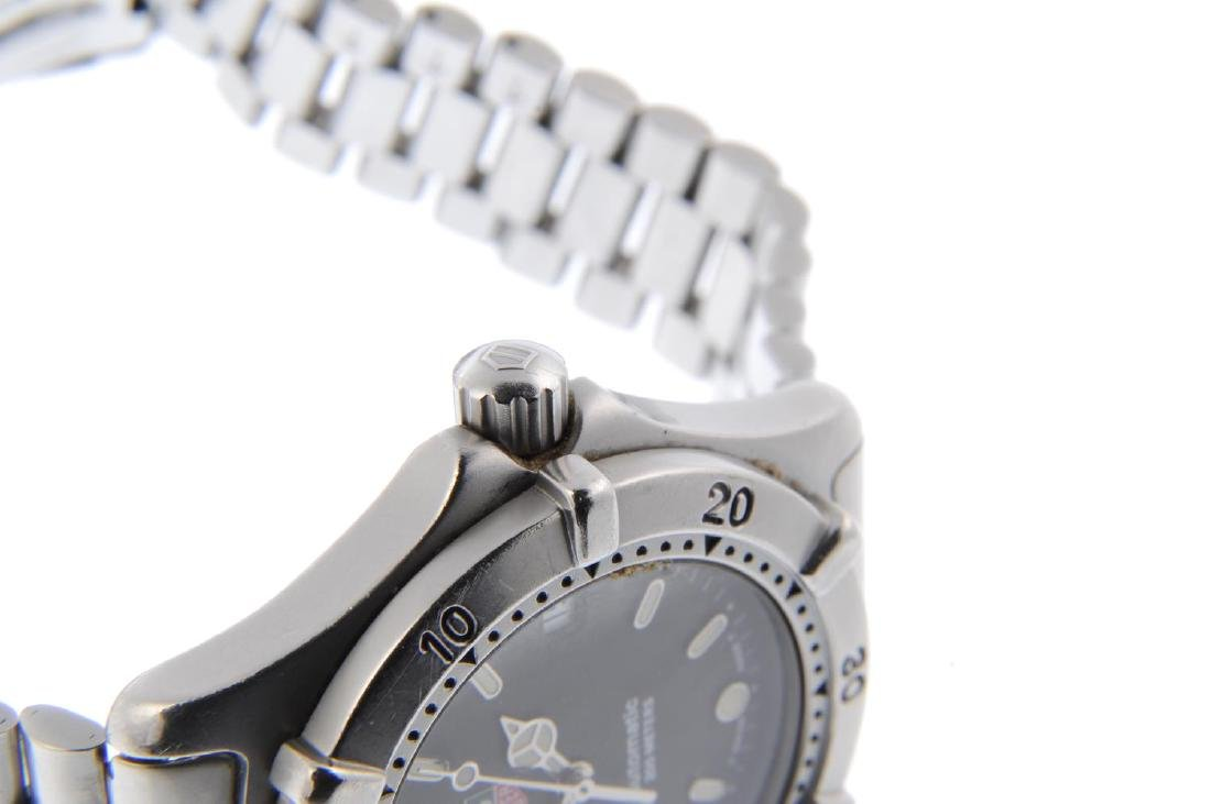 TAG HEUER - a gentleman's 2000 Series bracelet watch. - 4