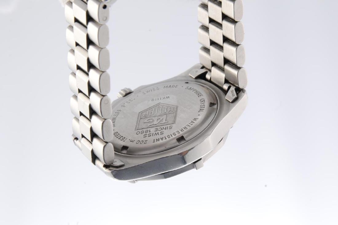 TAG HEUER - a gentleman's 2000 Series bracelet watch. - 2