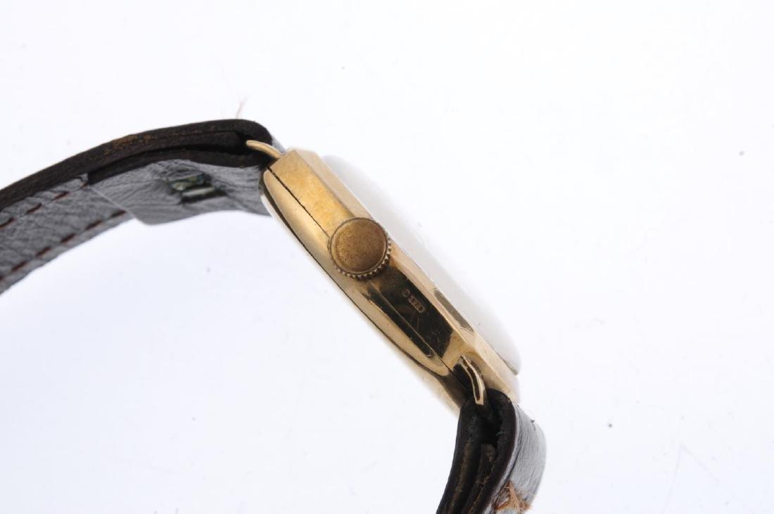 TUDOR - a gentleman's wrist watch. 9ct yellow gold - 3