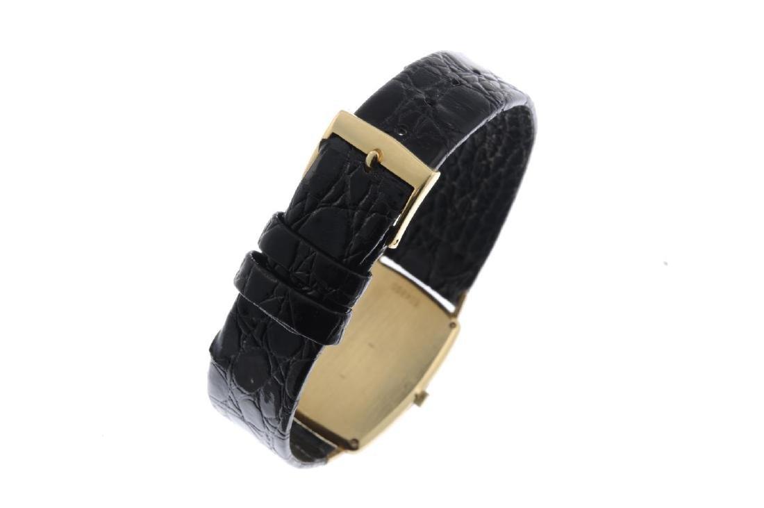 VACHERON CONSTANTIN - a gentleman's wrist watch. Yellow - 4