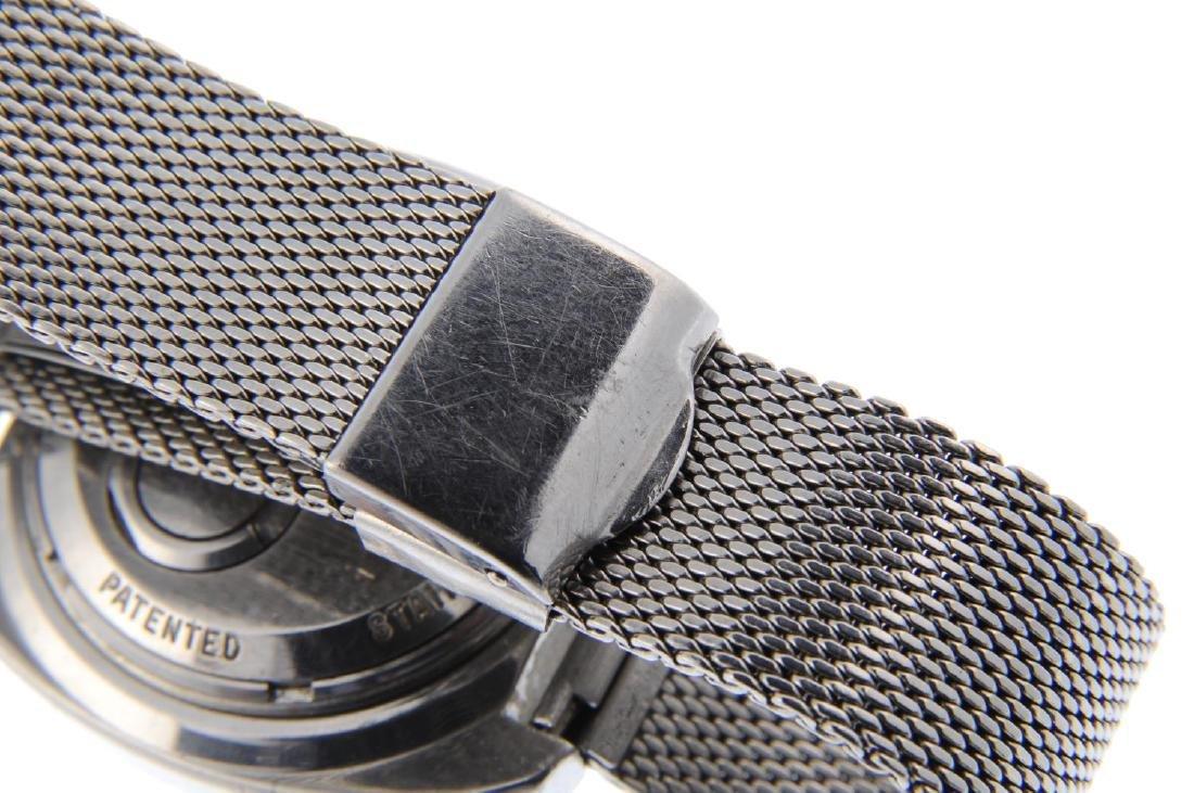 BULOVA - a gentleman's Accutron Spaceview bracelet - 2