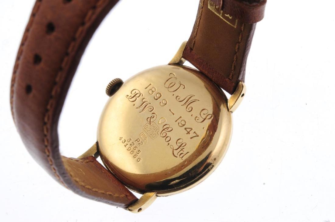 HELVETIA - a gentleman's wrist watch. Yellow metal case - 3