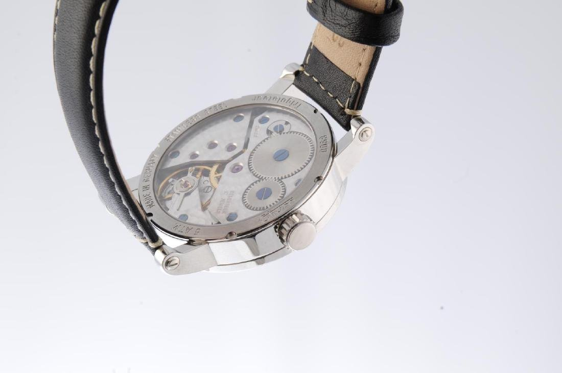 OTIUM - a gentleman's Trigulateur wrist watch. - 2