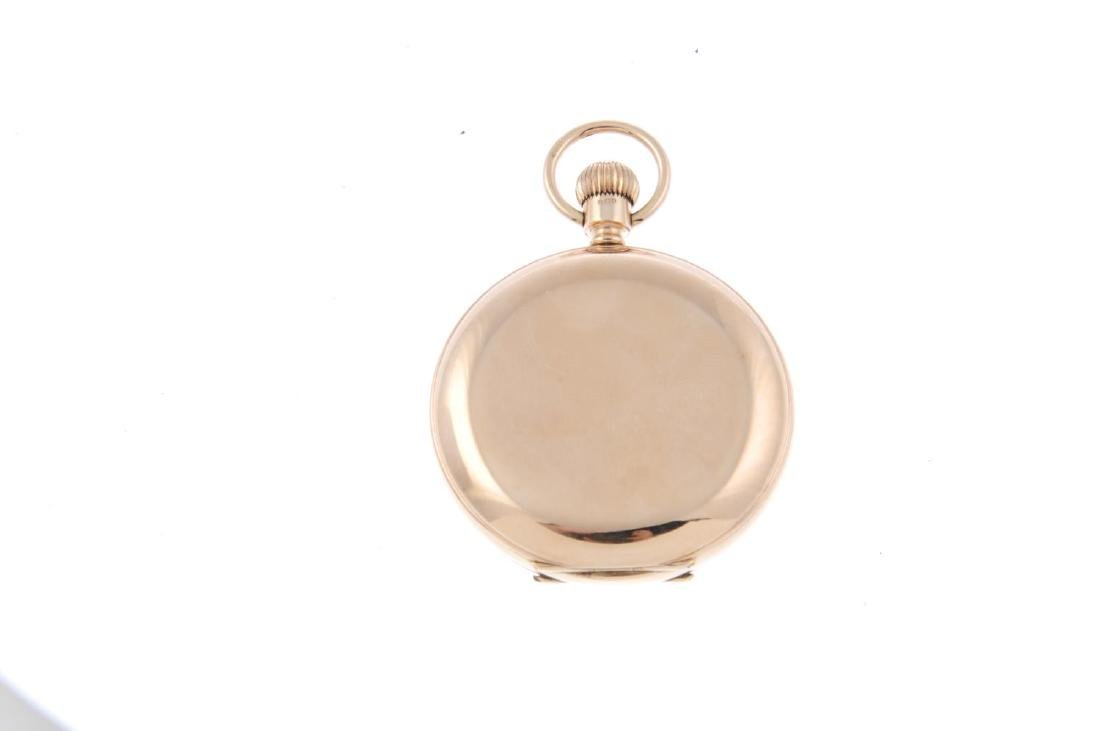 A full hunter pocket watch by T. Russell & Son. 9ct - 2