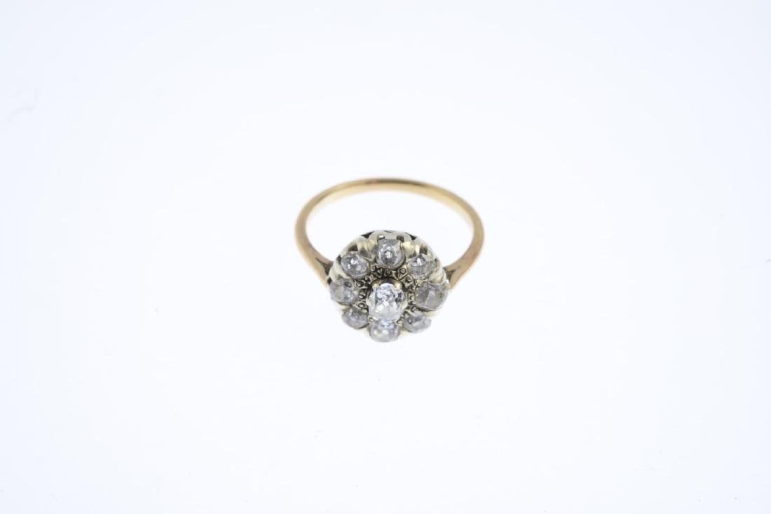 A diamond cluster ring. The old-cut diamond, raised - 3