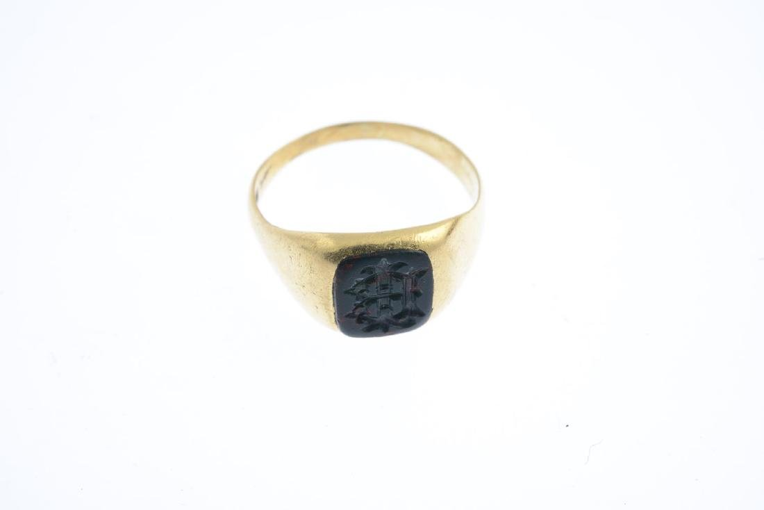 A gentleman's late Victorian 18ct gold bloodstone - 3