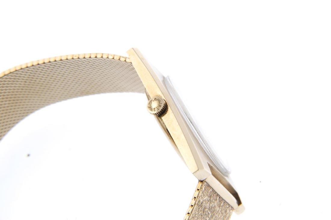 LONGINES - a gentleman's bracelet watch. 9ct yellow - 3