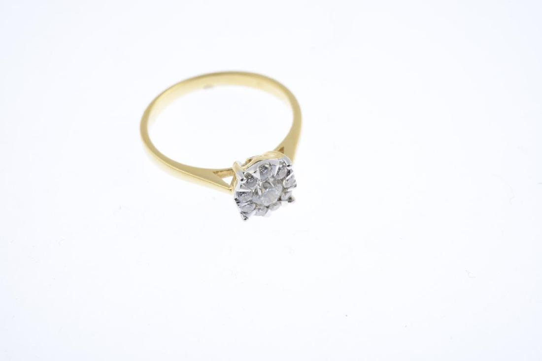 A diamond cluster ring. The brilliant-cut diamond, with - 3
