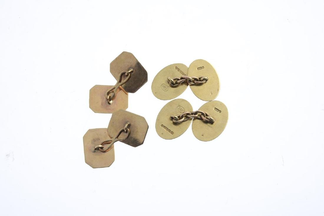 Two pairs of cufflinks. The first pair each designed as - 3