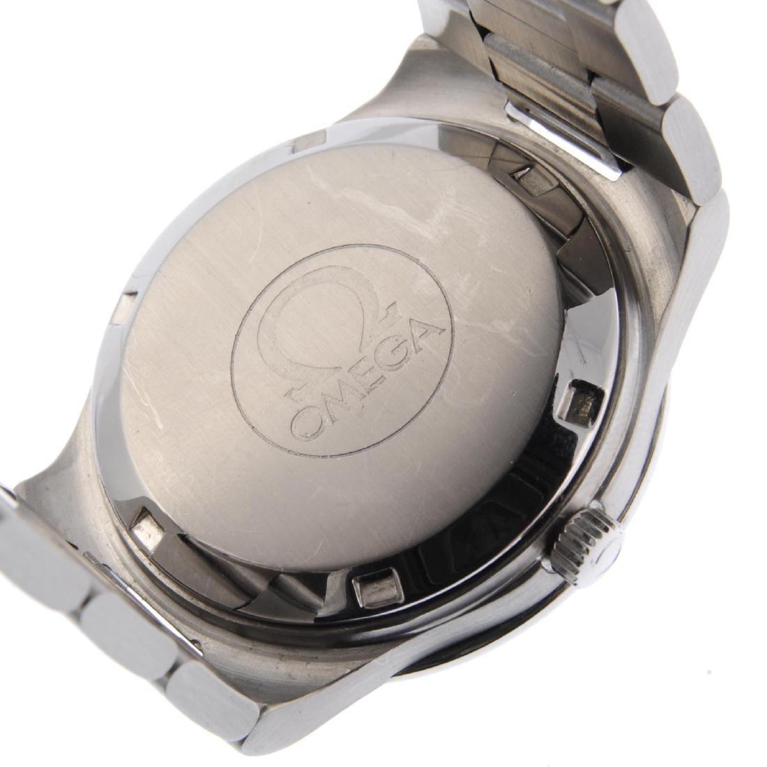 OMEGA - a gentleman's Seamaster bracelet watch. - 4